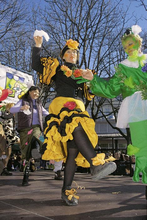 Nr. 866-Foto J. Wildgruber-Fasching tanzende Marktfrau