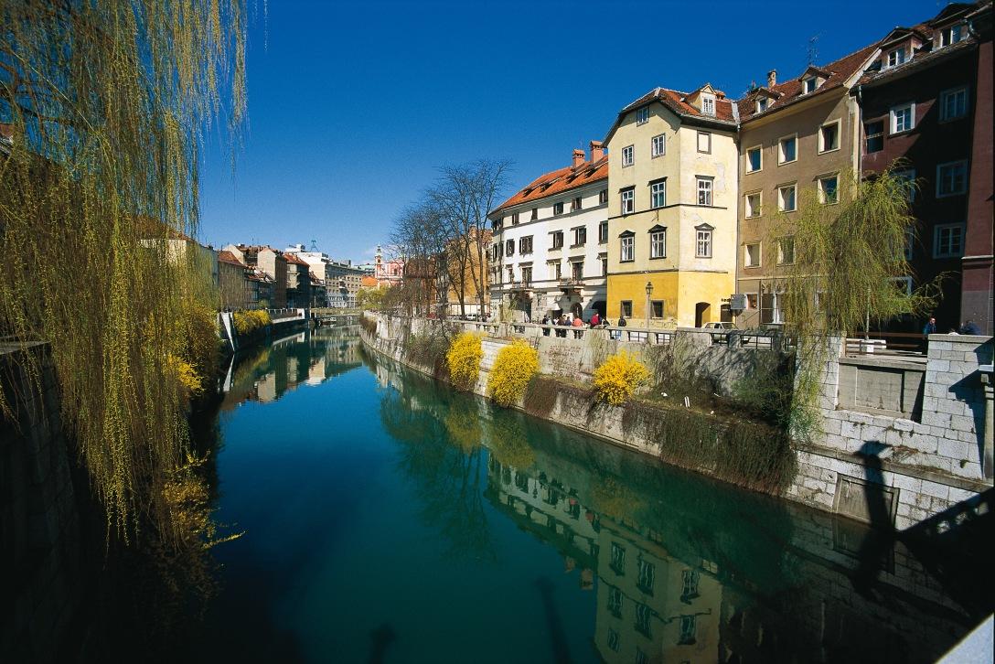 Ljubljanica_River_and_Cankar_Quay_B.Kladnik__2689_orig